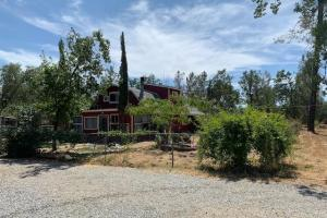 10 acre horse property  - Shasta County CA