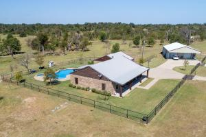 25 ac Pasture land, Trees,Custom built home, Shop and Pool near Purtis Creek State Park  - Van Zandt County TX