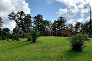 Country Home with Land and Shop - Leake County MS
