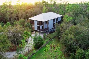 Modern Luxury Retreat 20 Acres off the Peace River - DeSoto County, FL