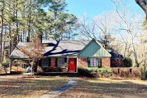 Cute 3 Bedroom Brick Home in The Oaks - Attala County MS