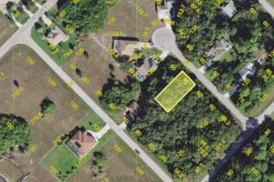 Perfect Investment lot in Port Charlotte!