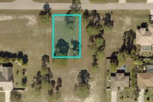 Awesome lot in Cape Coral!