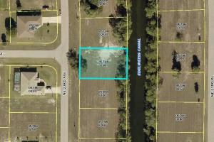 Awesome lot in Cape Coral! - Lee County, FL
