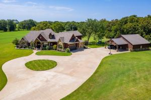 18+/- acres in Van Zandt County with a breathtaking interior. You will not find another house out there like this one!  (30 of 30)