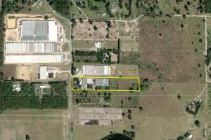 7.5 Acres and 60,000 + sq.ft of greenhouse in prime location - Lake County, FL