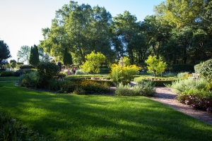 Spectacular Omaha Home Site with Stunning English Gardens in Douglas, NE (17 of 53)