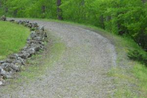 <p>Driveway to 216 Shady Knoll Rd</p>