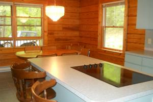 <p>Kitchen in guest house at 220 Shady Knoll Rd has new appliances</p>