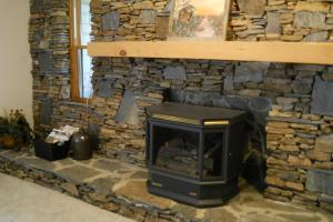 <p>Cabin fireplace.</p>