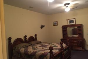 <p>Main Lodge Guest Room</p>