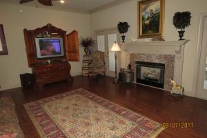 Custom Built Home on Horse Farm in Prairie, AR (63 of 74)