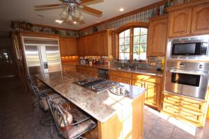 Custom Built Home on Horse Farm in Prairie, AR (19 of 74)