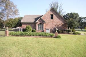 Custom Built Home on Horse Farm in Prairie, AR (8 of 74)