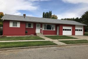 Great 3BD 2BA Starter Home in Mobridge! - Walworth County SD