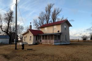 Reno County Home on Short 80 - Reno County, KS
