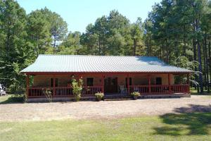 139+/- Acres on Ouachita River with Cabin - Hot Spring County AR