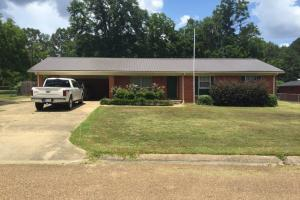 4 BR, 3 BA brick home located at 106 Jeffrey Street in Kosciusko - Attala County MS