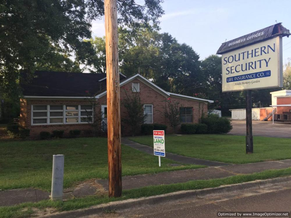 Office Building with Apartment in Attala County, MS