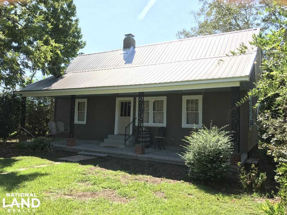 Frisco City Farm House and Weekend Retreat in Monroe County, AL