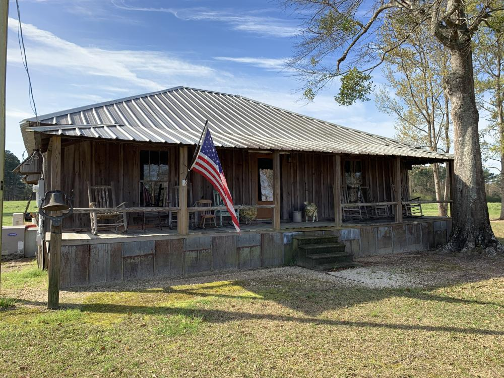 Mineola Family Farm Lake & Lodge Tract in Monroe County, AL