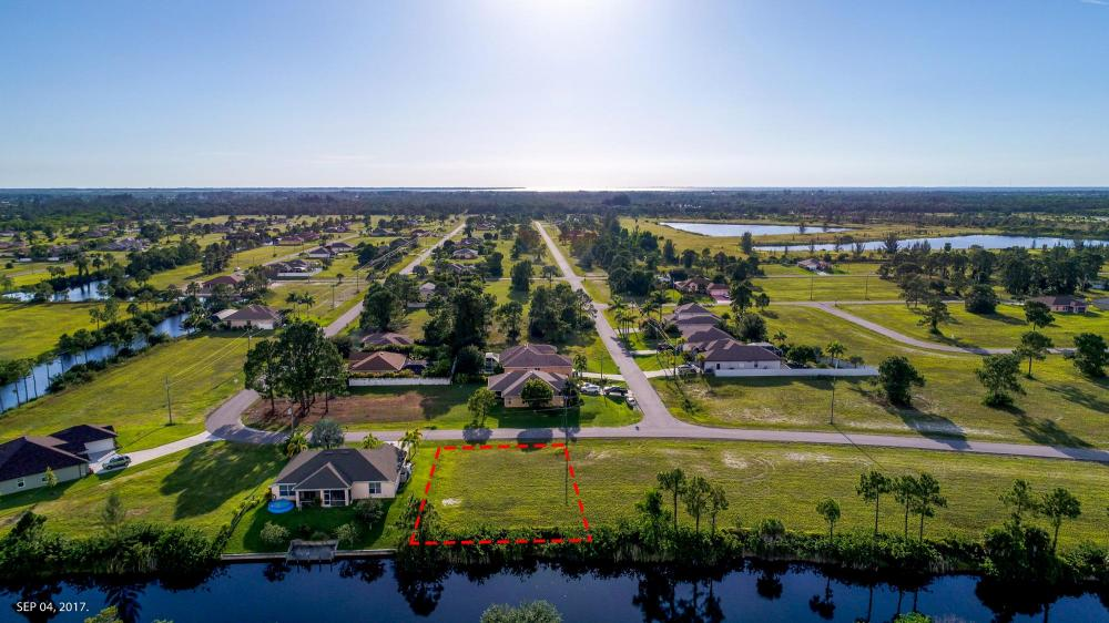 Stunning Freshwater Lot in Cape Coral ! in Lee County, FL