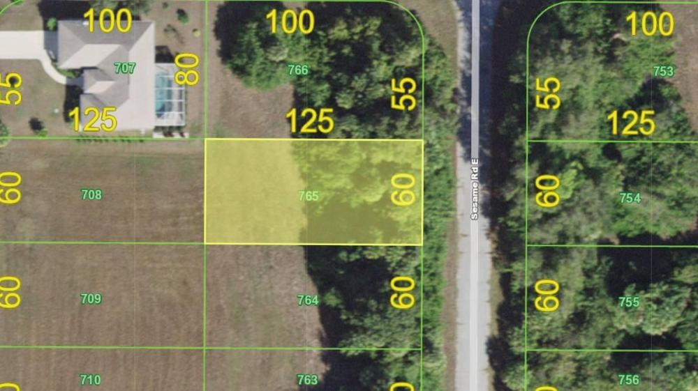 Building lot in Premier Community of Rotonda Heights  with city water and sewer!  in Charlotte County, FL