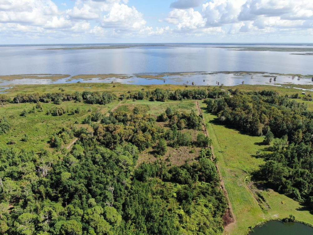 Lake Placid Waterfront Homesite Retreat in Highlands County, FL